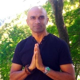 Namaste Yoga Academy合同会社様